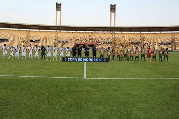 Sampaio Corrêa e River se enfrentaram no estádio Castelão, em São Luís-MA (Foto: Victor Costa)